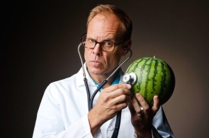 Weight-Loss-Alton-Brown-and-Watermelon
